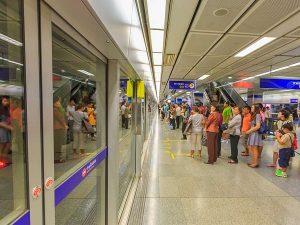Tàu điện ngầm MRT ở Bangkok là phương tiện rất được ưa chuộng