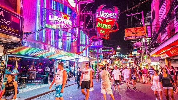 5 khu vui chơi về đêm sôi động và hấp dẫn nhất Pattaya