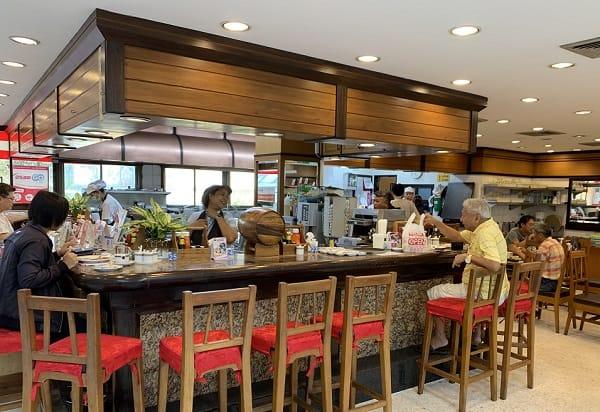 Took Lae Dee, quán ăn khuya ở Bangkok nổi tiếng