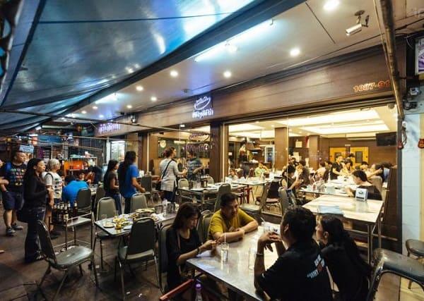 Quán ăn khuya nổi tiếng Bangkok: 55 Pochana