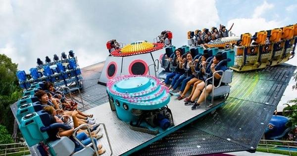 Trò chơi trong khu Family World trong công viên Siam Park City