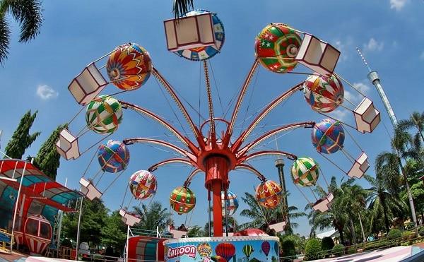 Khu Small World trong công viên Siam Park City