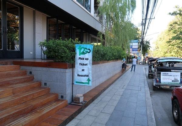 Bảng chỉ dẫn lấy vé ở 12go.asia khi đặt vé tàu hỏa từ Bangkok đi Chiang mai