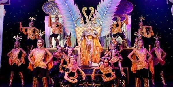 Golden Dome Cabaret Show. Buổi biểu diễn của người chuyển giới nổi tiếng ở Bangkok