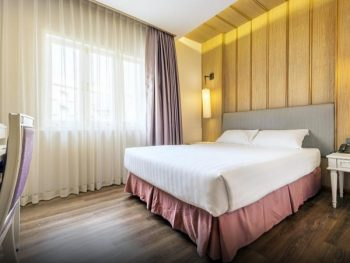 Khách sạn ở Bangkok gần cung điện Hoàng gia. Khách sạn 4 sao Royal Rattanakosin Hotel