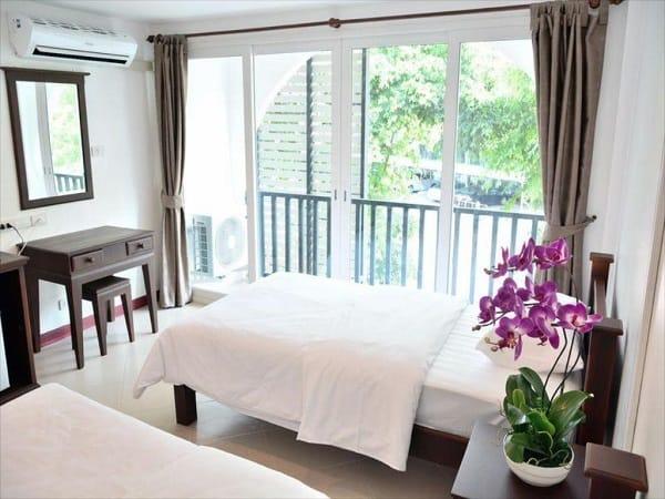 Top 10 khách sạn tốt nhất ở Pattaya gần biển, tiện đi lại, rẻ. Du lịch Pattaya nên ở đâu?
