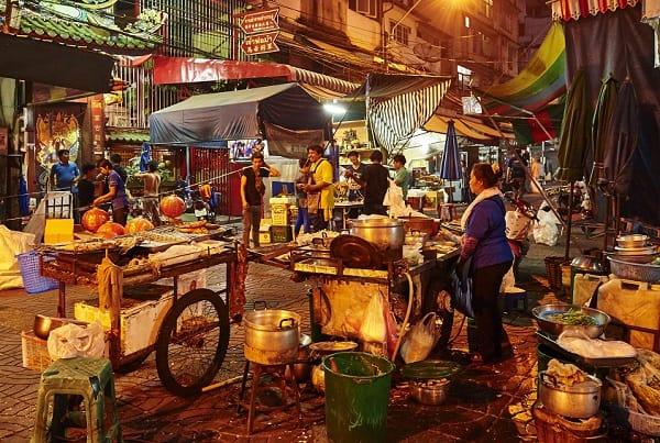 Kinh nghiệm ăn uống ở Bangkok, tìm quầy thức ăn an toàn vệ sinh
