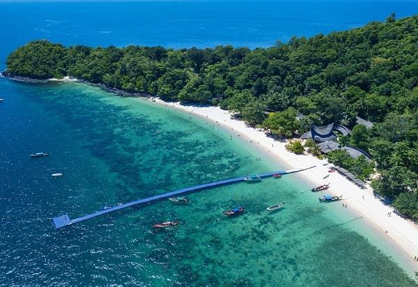 Nên đi Phuket hay Pattaya, đi Phuket nếu bạn muốn khám phá những bãi biển đẹp