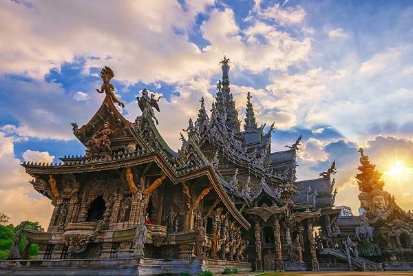 Nên đi du lịch Phuket hay Pattaya, đi Pattaya vì có nhiều địa điểm tham quan hơn