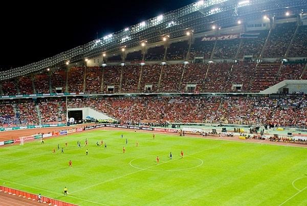 Sân vận động Rajamangala ở Bangkok là nơi diễn ra các trận bóng kinh điển Việt Nam - Thái Lan