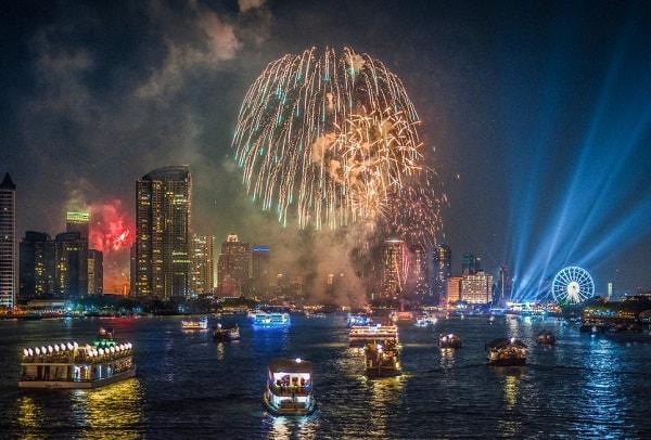 Đón Tết dương lịch ở Bangkok, Thái Lan tại du thuyền trên sông Chao Phraya