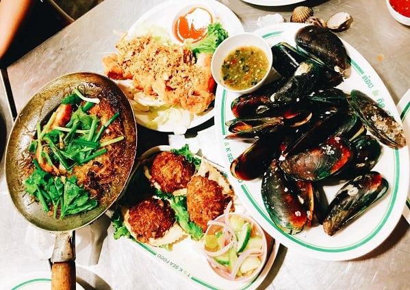 Những việc cần làm khi du lịch Bangkok, Ăn hải sản ở T&K Sea Food