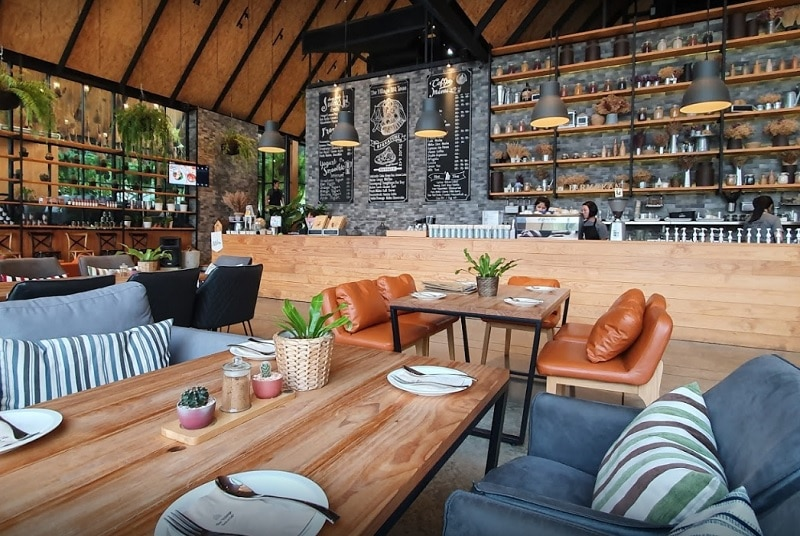 Top 5 quán cafe ở Kanchanaburi view đẹp. Quán cafe ở Kanchanaburi nhất định phải ghé thăm. The Village Farm To Cafe'